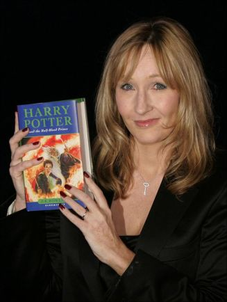 47bd6cf4a24661517543e9ff1a3dd607--harry-potter-facts-harry-potter-books