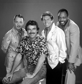 Tom-Selleck-Cast-of-Magnum-PI