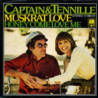 captain-and-tennille-muskrat-love-am-3