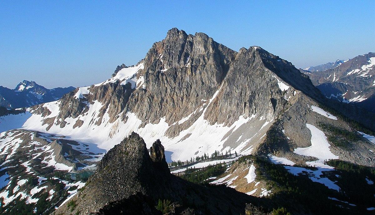 1200px-Devore_Peak,_from_White_Goat_Mountain.jpg