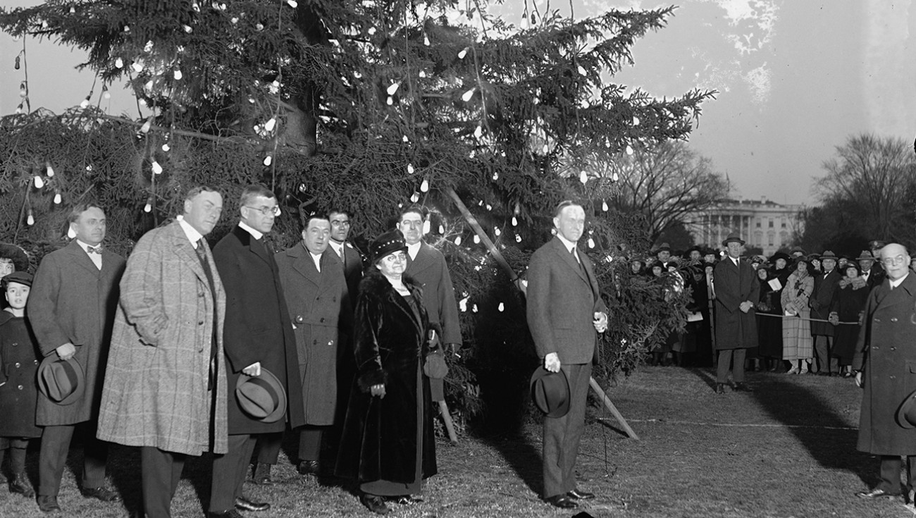 calvin-coolidge-was-the-first-president-to-instate-a-public-christmas-celebration-at-the-white-house-with-the-first-national-chris.jpg